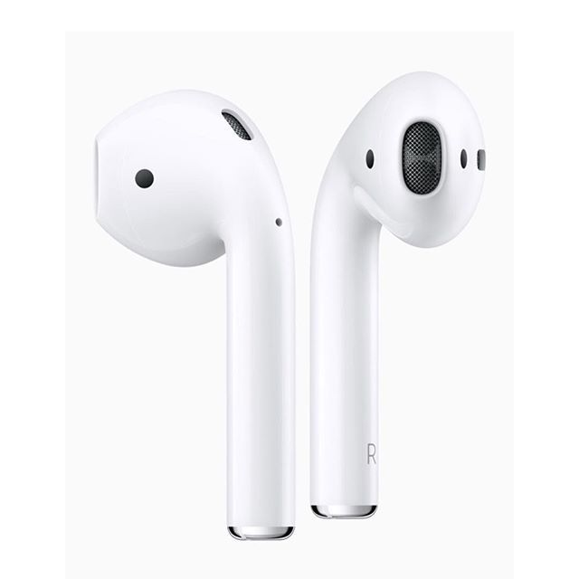 Great news! #Apple #AirPods have just arrived in The Big Apple 😉😁 If they're not available where you live, we can help with that. Contact us (see the link in our bio) today. 👏 #WirelessHeadphones #AppleAirPods #Earbuds #Earphones #Headphones (📸 Apple) ⠀⠀