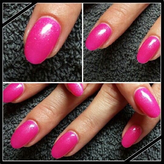 #gelpolish #barbiepink #roze #gelnagels