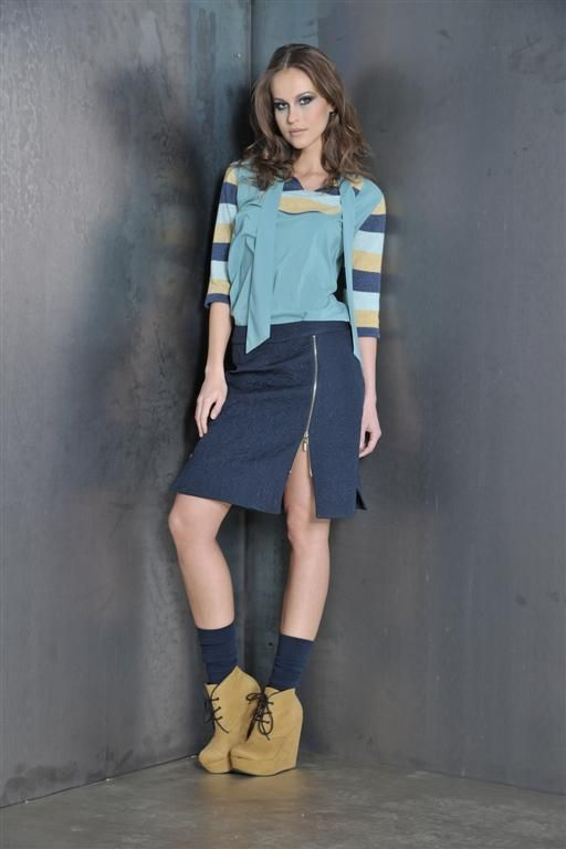 Blouse crepe de chine and knitwear with jacquard skirt