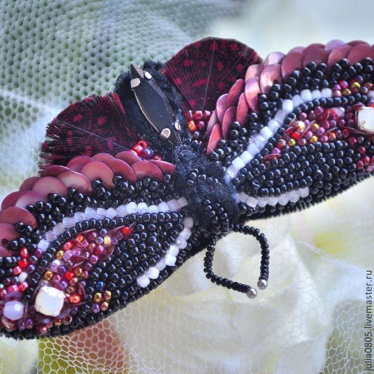 Купить Брошь бабочка - бордовый, черный, бабочка, брошь, вышивка, бисер чешский, бисер японский