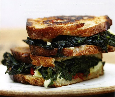RECIPE: Kale Panini: Yummy Recipes, Kale Recipes, Paninis Recipes, Chee Paninis, Grilled Cheese, Vegans Cheese, Kale Paninis, Cool Recipes, Chee Addition