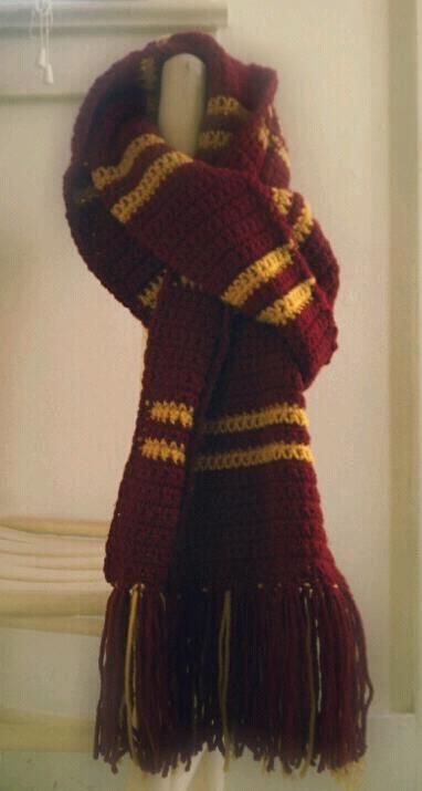 Gryffindor Scarf - I used the pattern available here: http://diyfashion.about.com/od/diyaccessories/qt/How_Gryffindor.htm