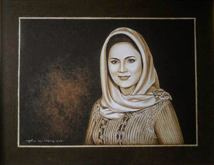 Aprilani Yustin Ficardo Tampak Artistik dalam Lukisan Ampas Kopi Karya Yulius Benardi