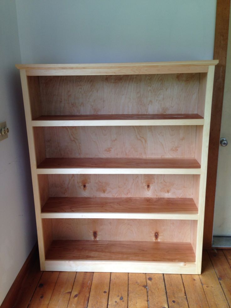 Easy bookshelf made with Kreg jig and furniture grade plywood.