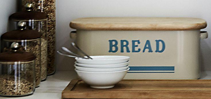 Brødboks kan være både dekorativ og praktisk :-)
