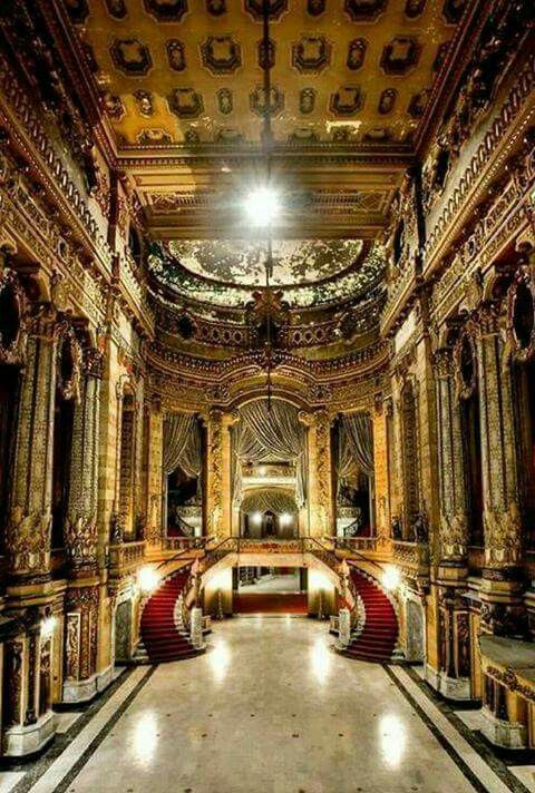 Abandoned theater Chicago