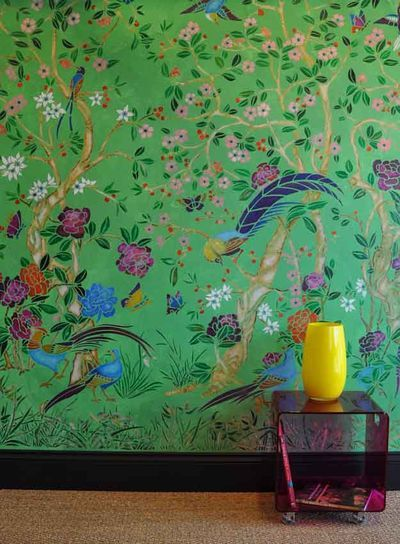 page has different color combinations for stenciling beautiful chinoiserie wall, from colorful to subtle