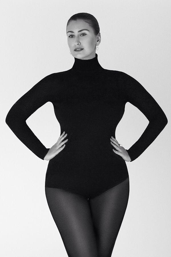 Plussize model Mila Repina Ph by Helga Charina