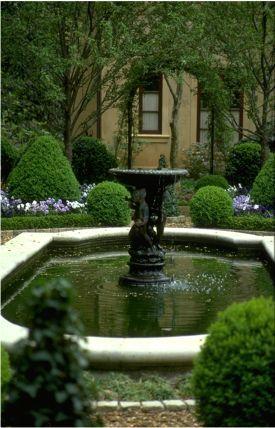 english garden statues