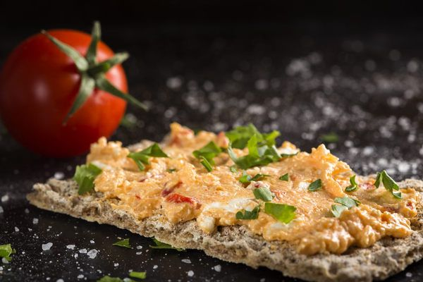Bazalková pomazánka(sušené rajčata,hořčice)