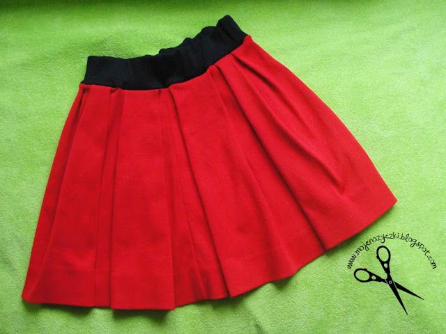 red skirt with pleats sewing