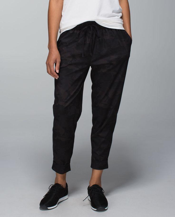 Jet Crop Sweats in a Tweed Look Fabric from Lulelemon