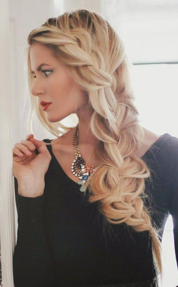 A very loose side braid--looks amazing!