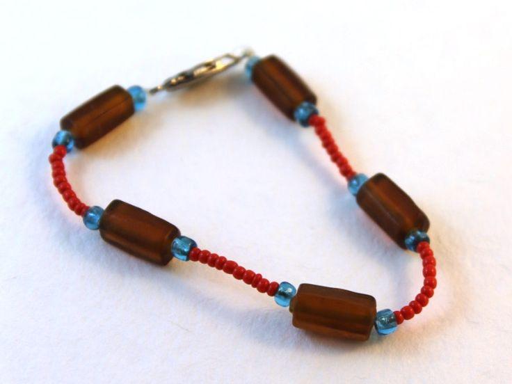 DIY Jewelry Hub handmade glass bead bracelet.