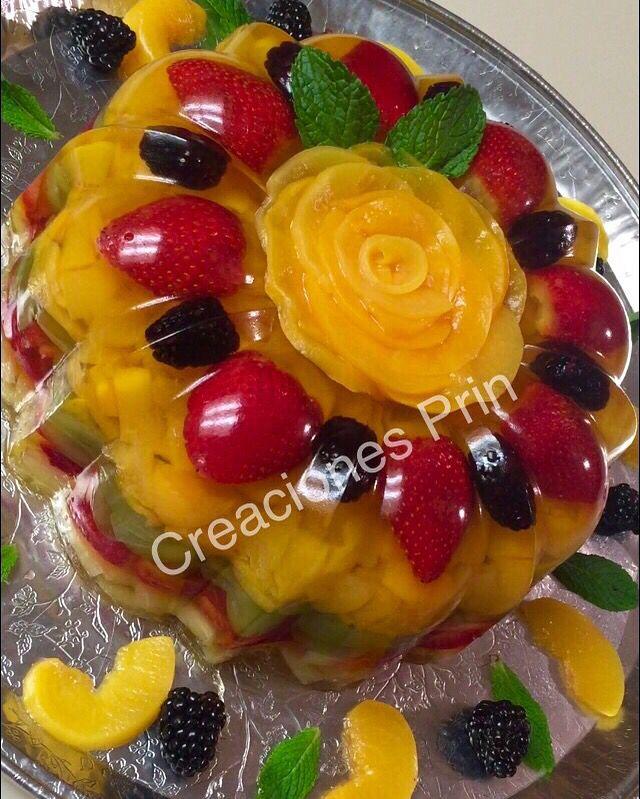 Gelatina transparente con frutas, sabor piña