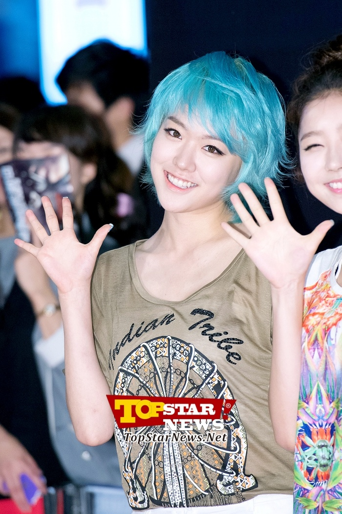 Hello Venus, Lime's hair color just stands out …at the VIP Premier show of 'Drahtwurm' [KPOP]
