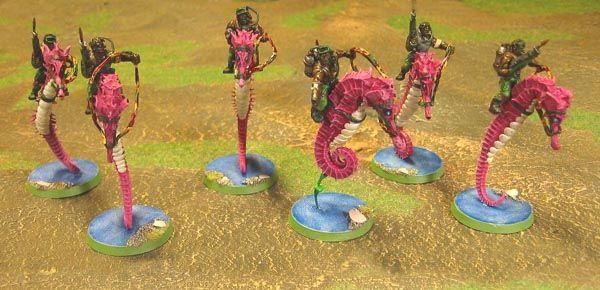 Armeer på YLVA: Sex Rough Riders på sjöhästar! Med explosiva harpungevär och lufttuber! Nackdelen med modellerna är att folk tror att jag spelar LatD... Figurerna är äkta, torkade sjöhästar.
