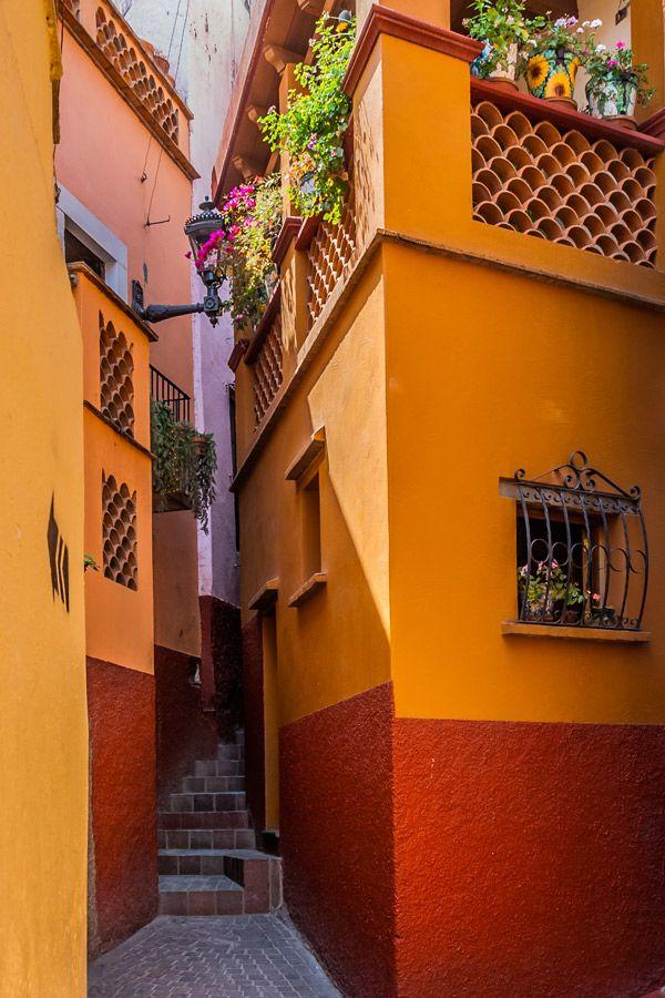 Callejón del Beso, Guanajuato. Loving these beautiful, colorful buildings.
