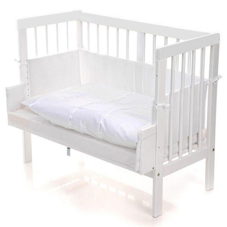 Qualitativ hochwertiges Stillbett, in klassischem Weiß.