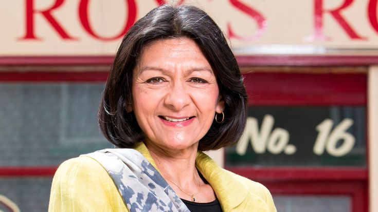 Yasmeen Nazir is a fictional character from the long running British ITV soap opera Coronation Street, played by female actress Shelley King. ABOUT YASMEEN NAZIR: Significant other: Sharif Nazir Granddaughters: Alya Nazir Grandsons: Zeedan Nazir