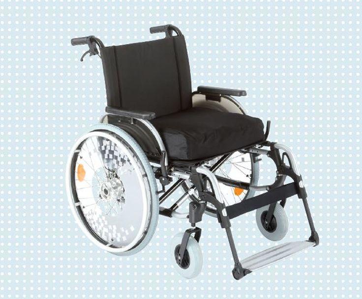 MODELO START M4 XXL_  Acessórios adicionais:  Anti-tombo; apoio de pé elevável; mesa de atividades; punho c/regulagem de altura; protetor de raios; cinto pélvico; capa de silicone (aro de propulsão); barra estabilizadora (maior reforço da cadeira).  Dados Técnicos:    Tolerância de peso Max. 160 kg / Peso aproximado 17.5 kg / Largura do assento 43cm; 45,5cm; 48cm; 50,5cm; 53cm; 55,5cm; 58cm / Profundidade do assento 43cm, 46cm, 49cm /  Altura do encosto 40cm - 47,5cm…