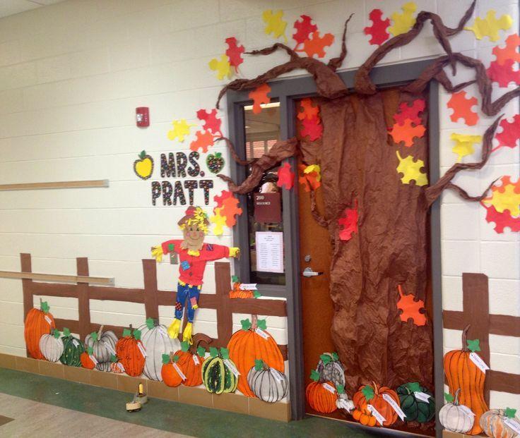 classroom pumpkin decorating ideas | Fall Classroom Door Decorations