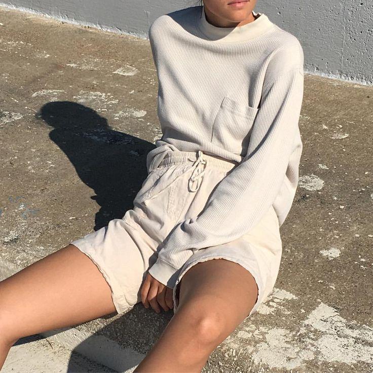 """449 Gostos, 5 Comentários - Na Nin Vintage (@naninvintage) no Instagram: """"Vintage cotton ecru ribbed mockneck fits xs-m frames $42 + shipping + Vintage cotton gauze ecru…"""""""