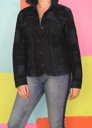 À vendre sur #vintedfrance ! http://www.vinted.fr/mode-femmes/vestes-en-jean/28677675-veste-en-jeans-bleu-marine-motif-fleur-t238-40-paul-brial-demi-saison-casualchicethniquehippie
