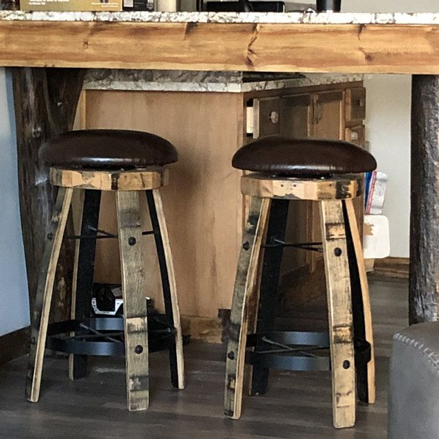 Jack Daniels Whiskey Barrel Table With 4 Stave Chairs And Metal Footrest V 2020 G Dizajn Interera Interer Dizajn