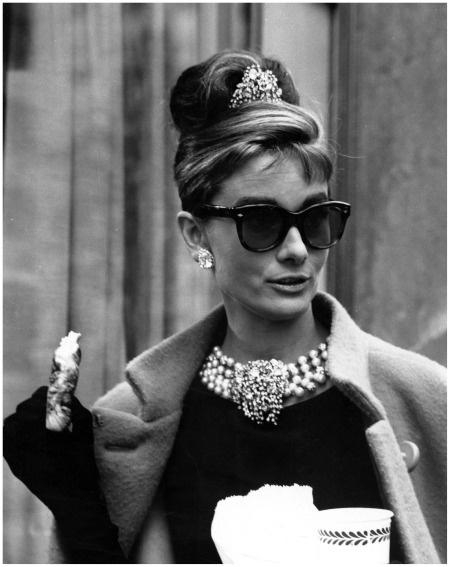 Audrey Behind Scenes Breakfast at Tiffanys - 1961