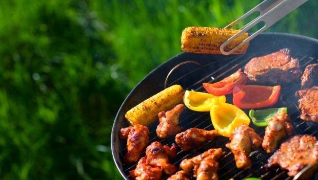"""Grill - Smaker.pl - Braai znaczy """"przynieś i upiecz"""". To, co w Europie nazywamy grillem,"""