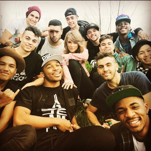 http://taylorswift.tumblr.com/post/117549632590/baby-were-the-new-romantics-toshi-ateamlv