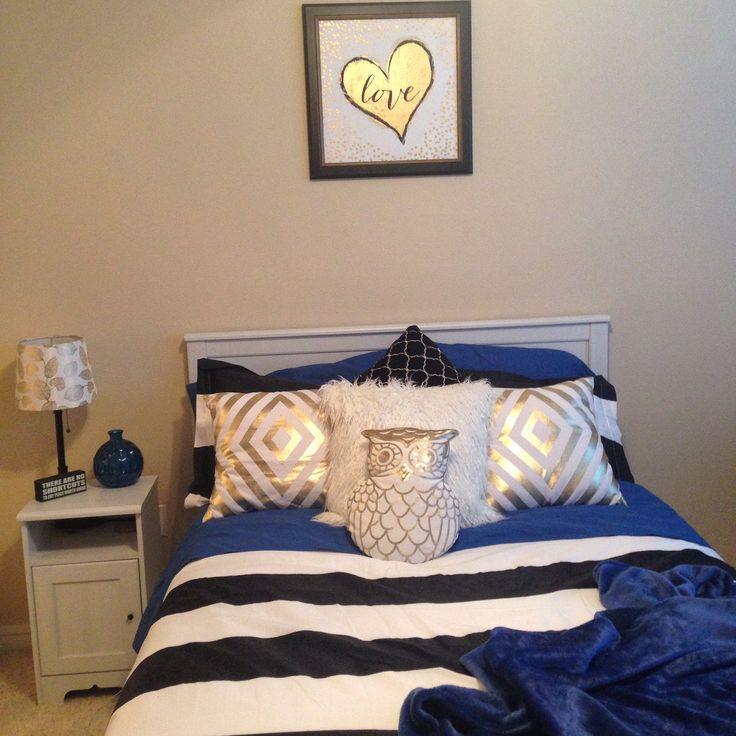 black white and cobalt blue bedroom thethriftypineapple cobalt blue bedroom cobalt blue and white bedding teal