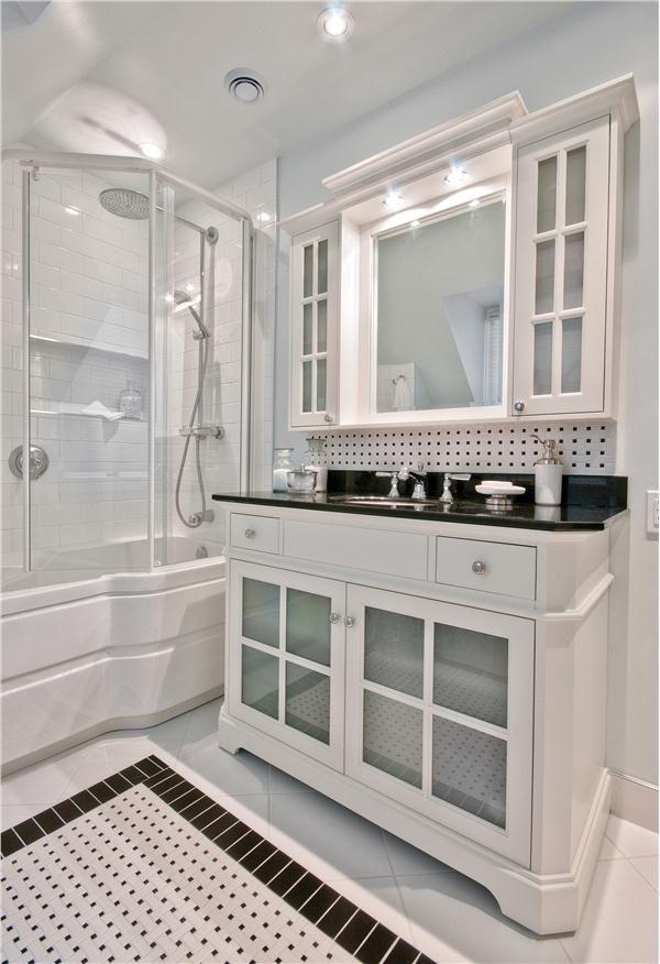 NKBA 2011 Small Bathroom: Third Place Winner: Black And White Delight  (Designer: Victoria Shaw)