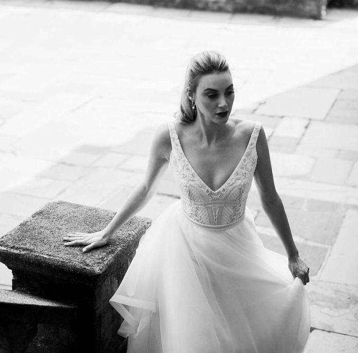 'Elegance is the only beauty that never fades' // Pictured our 'Sophie' gown - in stores now. @kwhbridal • @beksmithphotos • Florist - @bunchedtogether • Model - @brookiechook from @chadwickmodels • Vid - @laurenschulz197 • HMUA - @makeupbysophieknox • @kwhbridal Reposted Via @kwhbridal