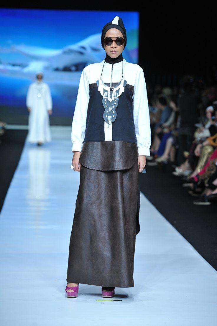 Black and white series Hananie Hananto for Jakarta Fashion Week 2014-modest fashion edgy and modern