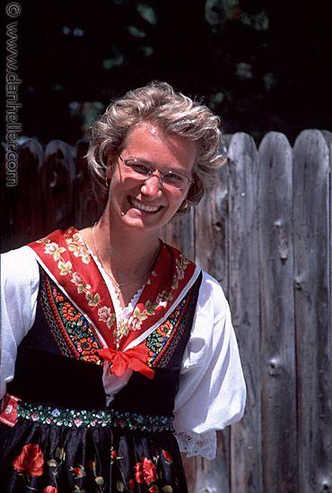 People From Switzerland | ... lady.jpg europe, images, people, swiss, switzerland, vertical, womens