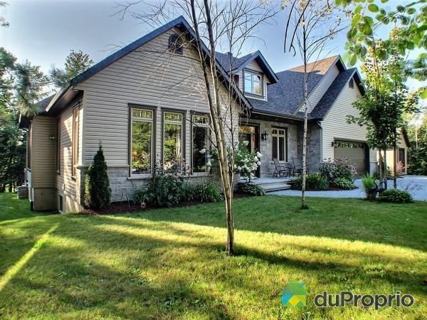 Maison a vendre ascot corner 4625 rue du torrent for House plans torrent