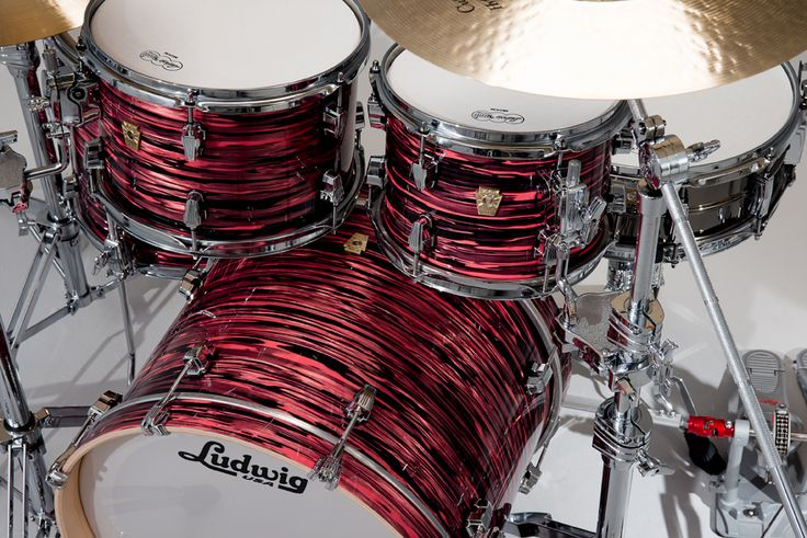 Ludwig salmon oyster finish w/ chrome hardware This finish is amazing!