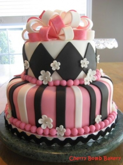 Pink Amp Black Diamond And Stripes Cake Cakes Decorated