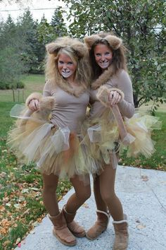 Cute Halloween lion costumes I did with my friend ❤️