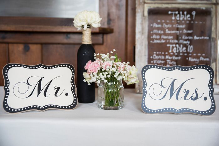 Wedding Signage | Jadie Foto | As Seen on TodaysBride.com