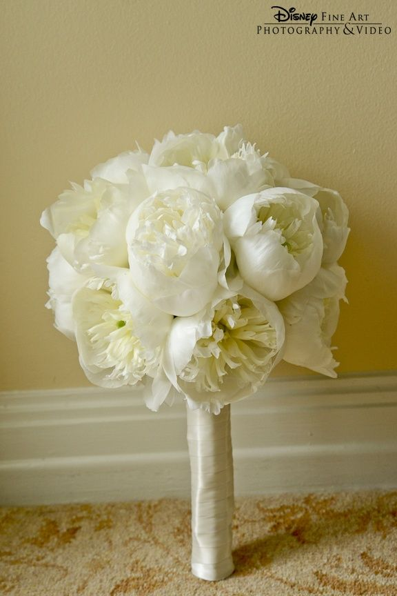 white peonies bouquest | White peony bouquet. #wedding #floral