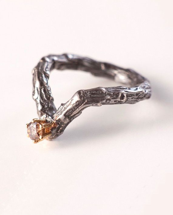 #Twig engagement ring • Brown diamond 0.16qt, 18kt gold & silver // Anillo de #pedida inspirado en la #naturaleza • diamante Brown 0,16qt, oro amarillo 18kt y plata #natureinspired #patriciominconi #handmade #barcelona