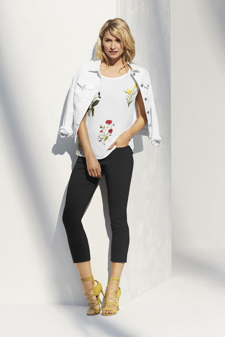Yes way, bouquet. We have yet to meet a floral we didn't like. This blouse is no exception.