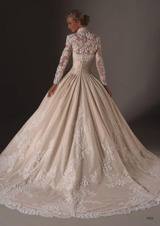 See more about lace wedding dresses, lace sleeves and dress wedding.