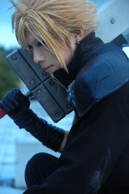 Cloud Strife | Final Fantasy VII Advent Children | Cosplayer: KANAME☆ [WorldCosplay] | I don't own the picture, credits to the cosplayer and owner of the picture!