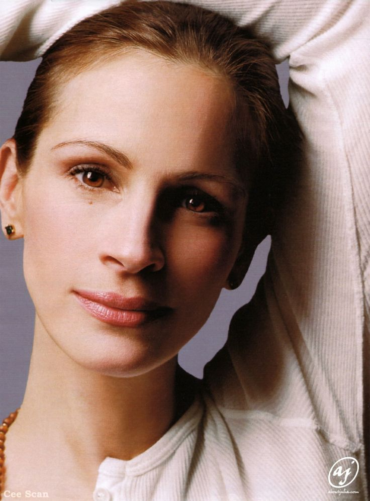 """Julia Roberts, Great Actress, I fell in Love with her in """"Steel Magnolias"""" """"Pretty Woman"""".!!!"""