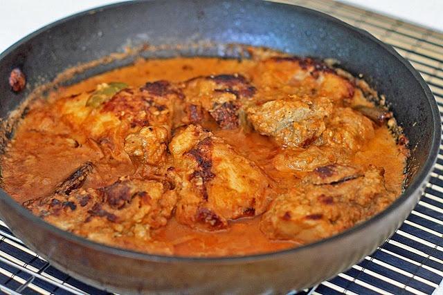 Sri Lankan Spicy Cashew Coconut Chicken (make marinade in food processor, marinate 1 hour, fry, add coconut milk).