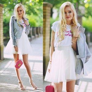 T-shirt Mango, kolor Różowy Biały. http://www.blogmileny.pl/2017/06/biaa-spodnica-i-ramoneska.html - MODNAPOLKA.pl #princess #whiteskirt #princessmodel